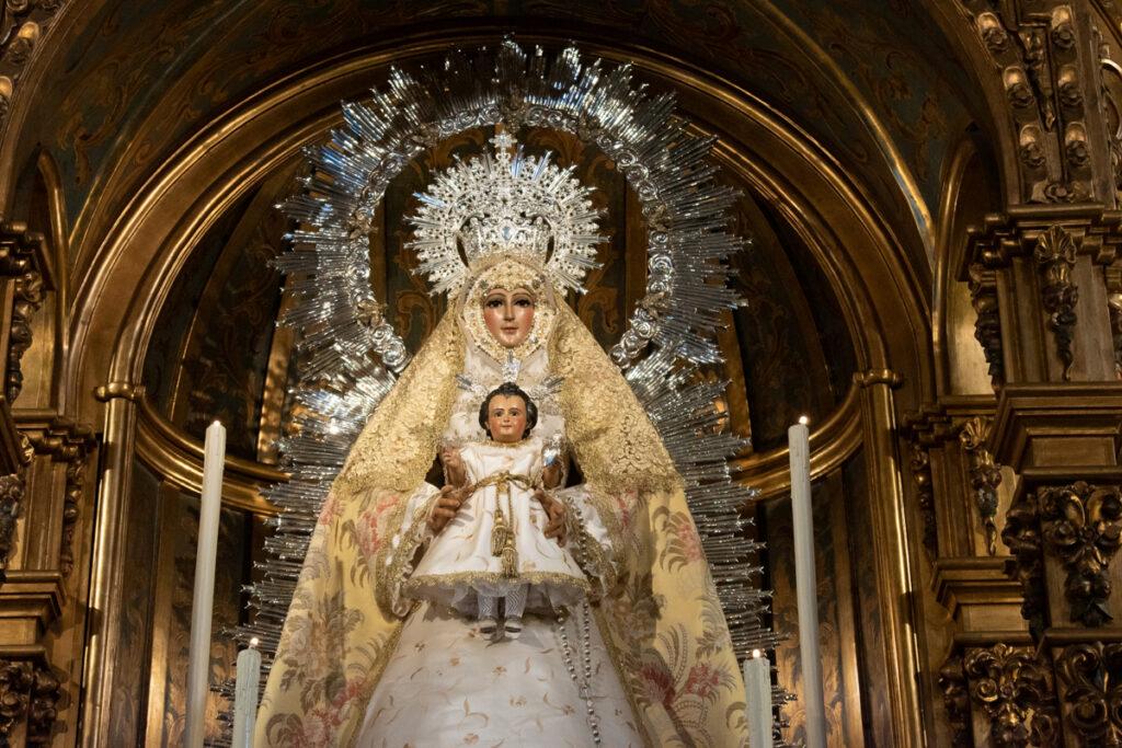 En Imagenes: Ntra. Sra. del Dulce Nombre de Maria ataviada para tiempo ordinario.